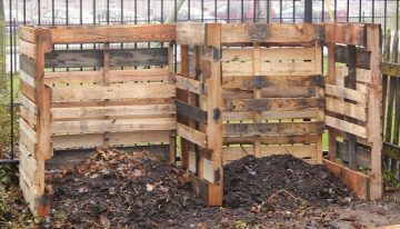 Composting System from Wood Pallets DIY