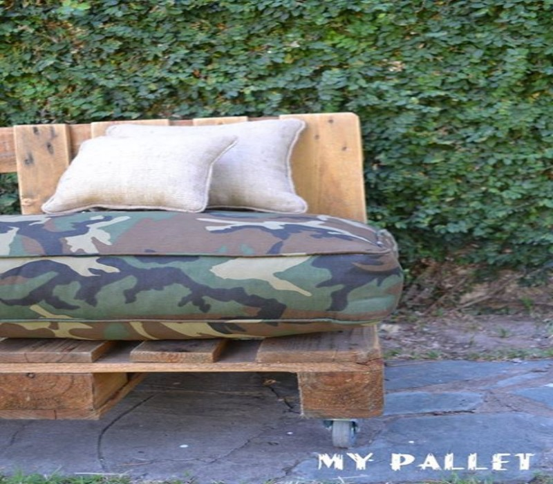 Outdoor Sofa Made with Pallets 3