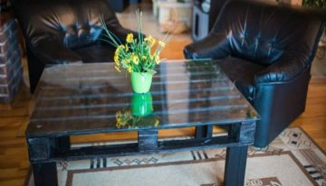 Painted Pallets Coffee Table