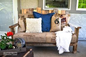 DIY Pallets Chair Cum Sofa