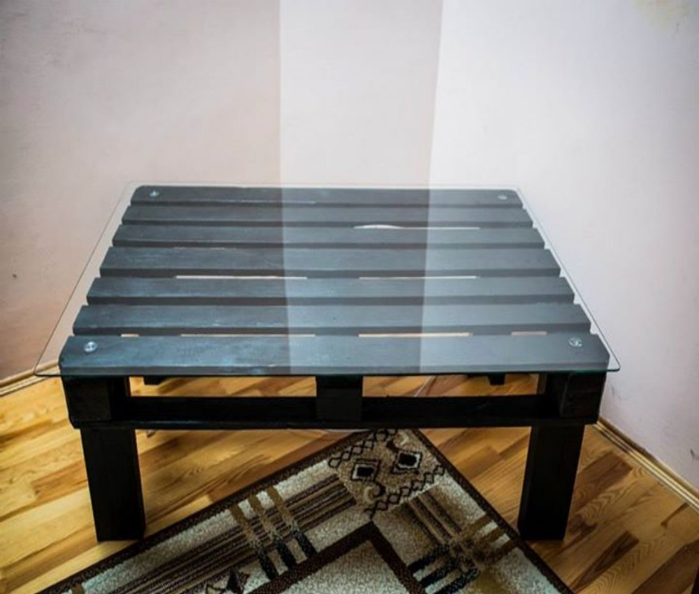 Painted pallet coffee table - Pallets Coffee Table