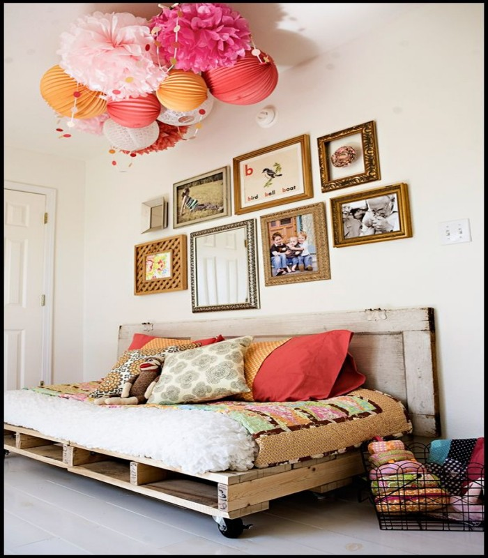 Pallets Kids Room Bed