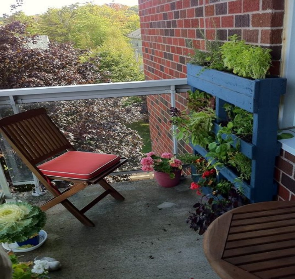 Recycled Pallet Ideas: Recycled Wood Pallet Vertical Gardens