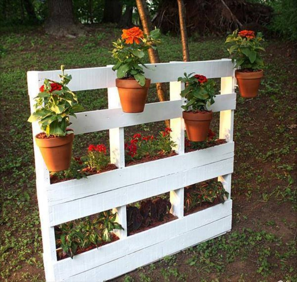 Recycled Wood Pallet Ideas Pictures to pin on Pinterest