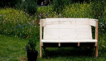 Seating Arrangement for Parks with Pallets