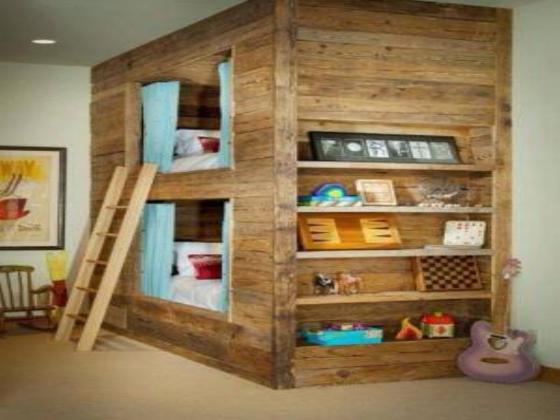 Twin Pallet Bed Loft Bed Made of Pallet