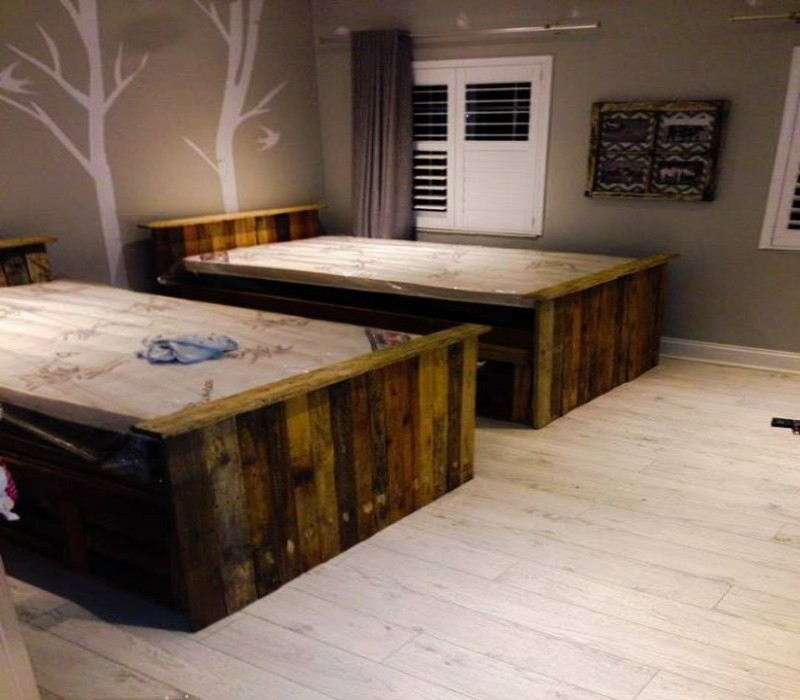 Upcycled Pallet Beds with Drawers | Pallet Ideas: Recycled ...