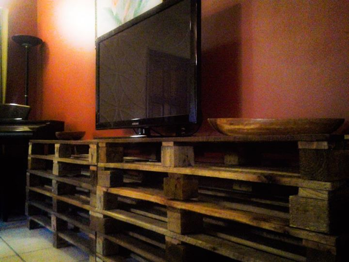 Upcycled Pallet Coffee Table And TV Stand Ideas