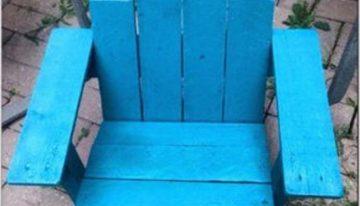 Children's Adirondack Pallets Chair