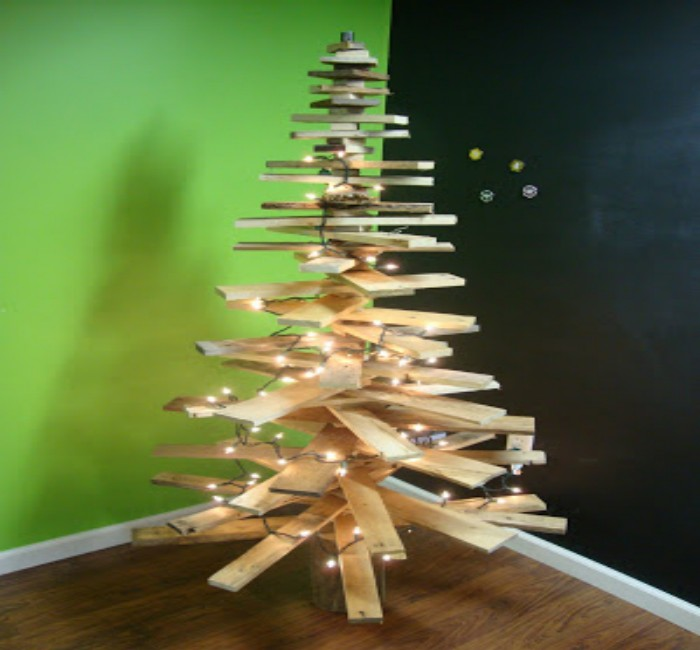 Pallets made wooden christmas trees pallet ideas Christmas trees made out of wood
