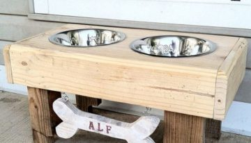 Pallets Made Dog Bowls
