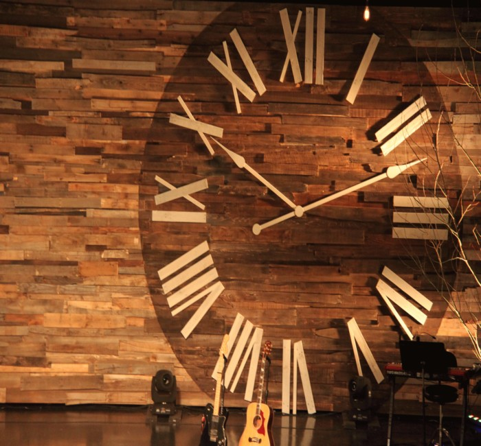 Pallets Clock on Pallet Wall