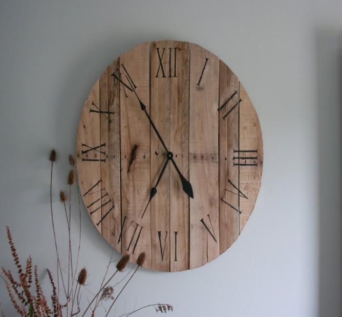 Pallets Made Wooden Wall Clocks Pallet Ideas