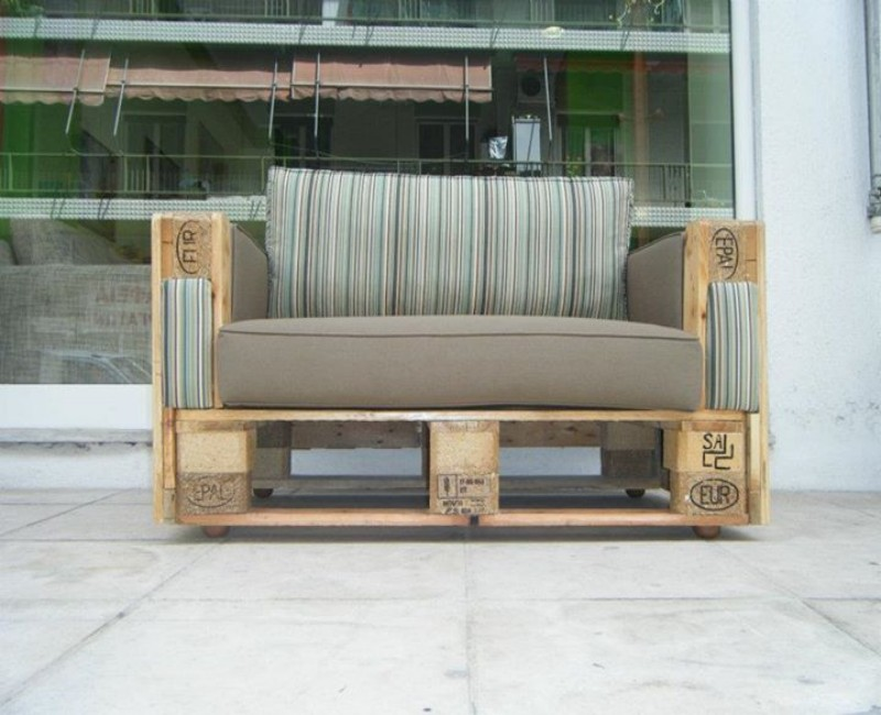 Pallets Made Couch