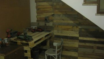 DIY Pallets Wood Wall Work Project