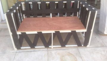 Pallets Made Rattan Sofa Renovation DIY