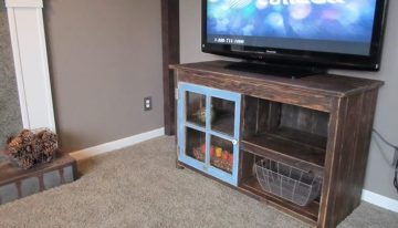 Pallets TV Table with Storage