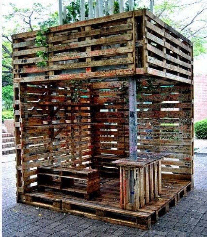 Some Large Wooden Pallets Constructions Pallet Ideas