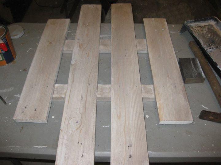 DIY Pallets Wood Wall Hanger | Pallet Ideas