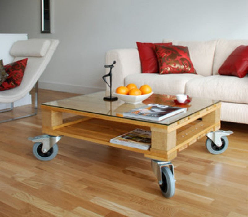 wooden pallet coffee tables on wheels | pallet ideas: recycled