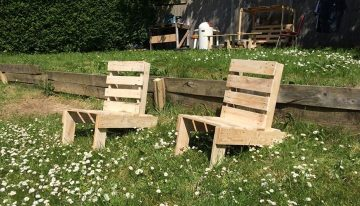 Pallets Made Folding Chairs