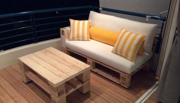 Pallets Made Sofa with Coffee Table