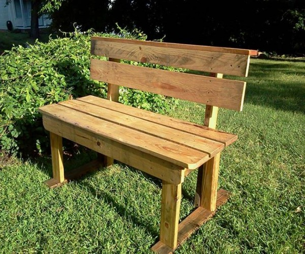 Patio Benching with Pallets