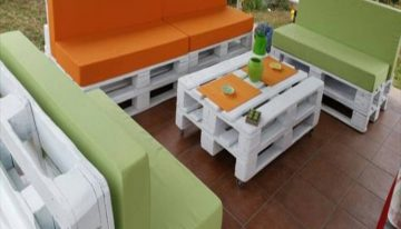 Creative Pallets Outdoor Sofa and Table Ideas