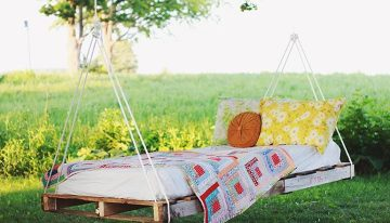 Beautify your Garden with Wood Pallets