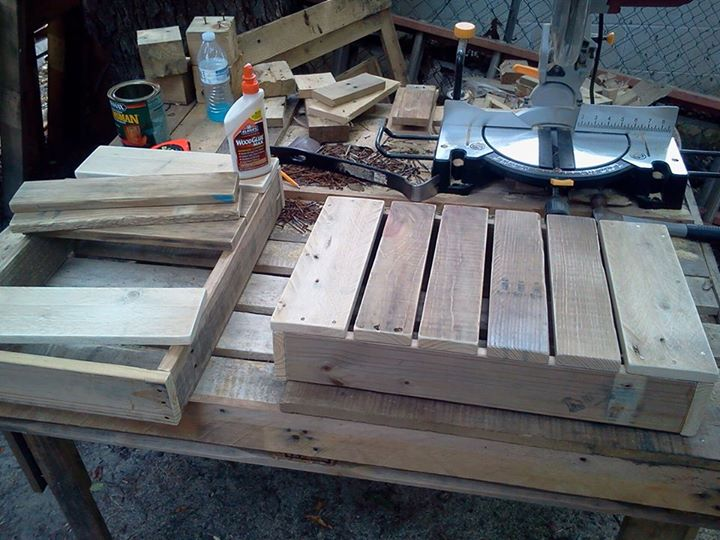 DIY Pallets Rustic Benches 2