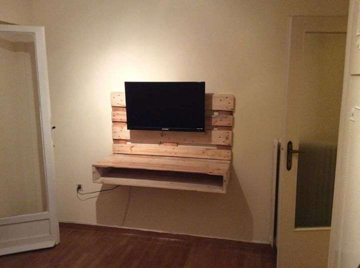 Eco Friendly Pallets Tv Wall Hanging Stand Pallet Ideas