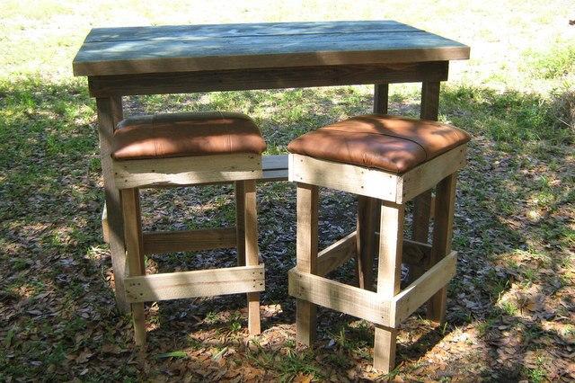 Pallets Bar or Kitchen Stools   Pallet Ideas