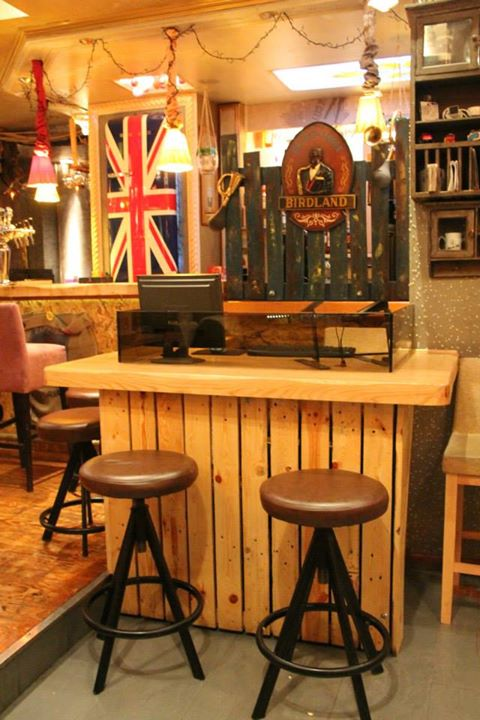 Pallets Made Cafe Bar Furniture Decor Pallet Ideas