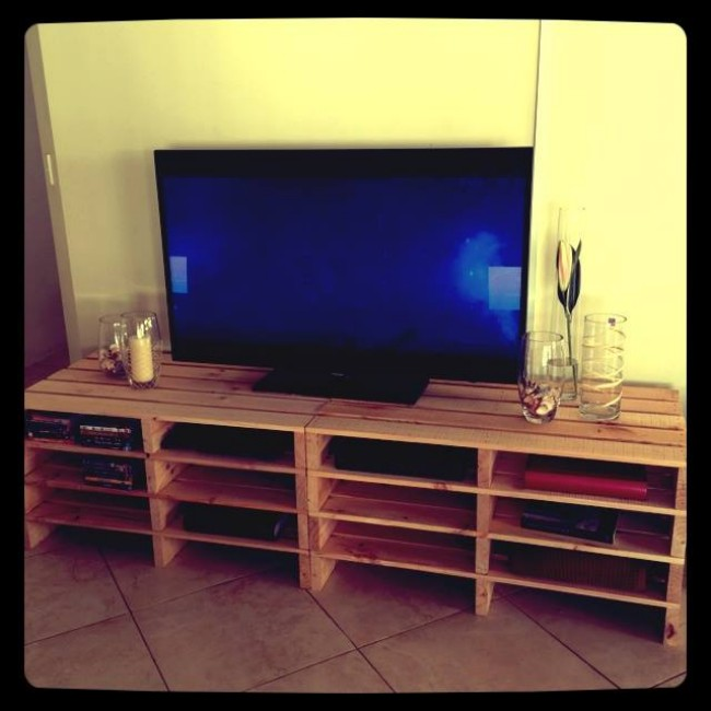 40 Ecofriendly Diy Pallet Ideas For Home Decor More: Pallets Made Entertainment Units / TV Cabinets