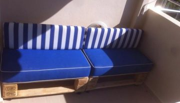Pallets Sofa Bench with White Table