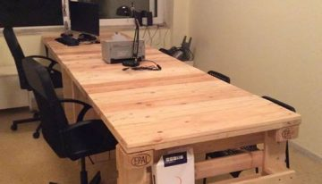 Pallets Made Study Table with Side Book Shelf