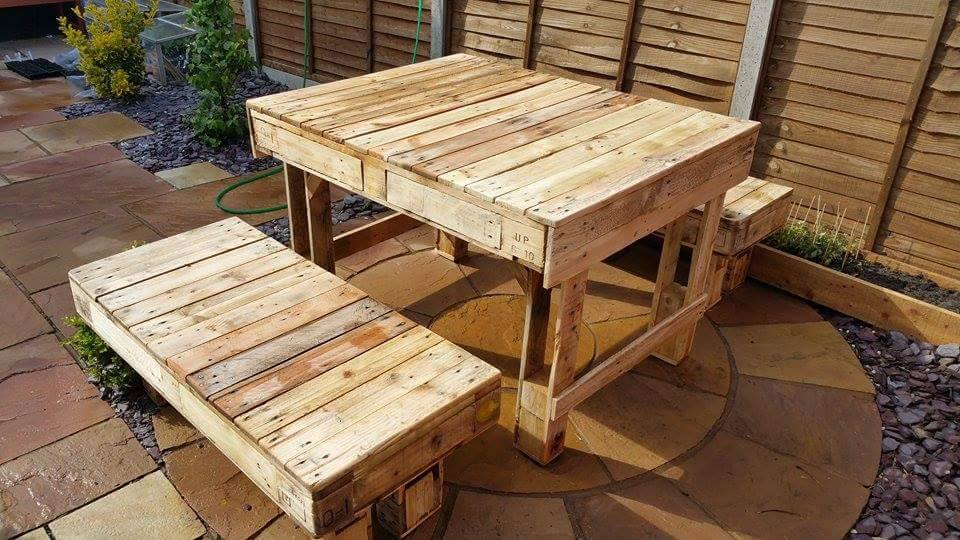 Recycled corner bench table and pallet bar pallet ideas for Pallet corner bench