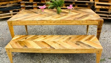 Vintage Style Pallets Table with Bench