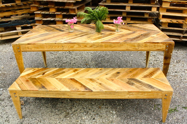 Pallets Table And Bench