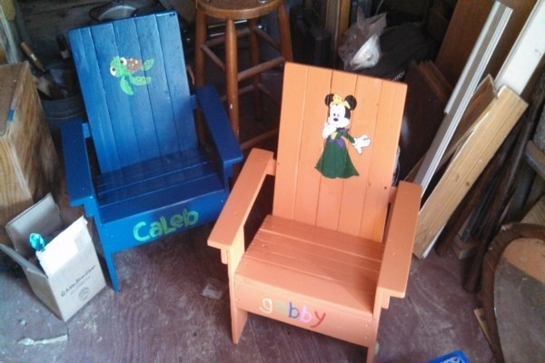 Wood Pallets Made Kids Chairs