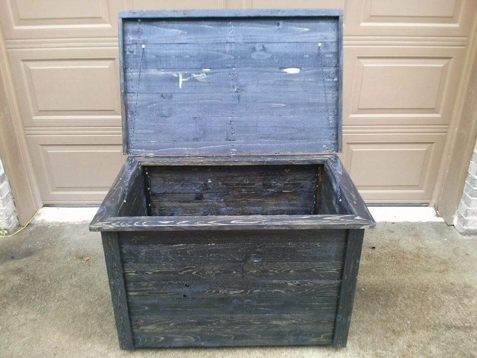 storage box made from pallet