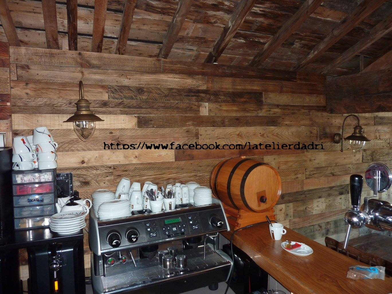 Wood Pallet Projects Wall Shelves