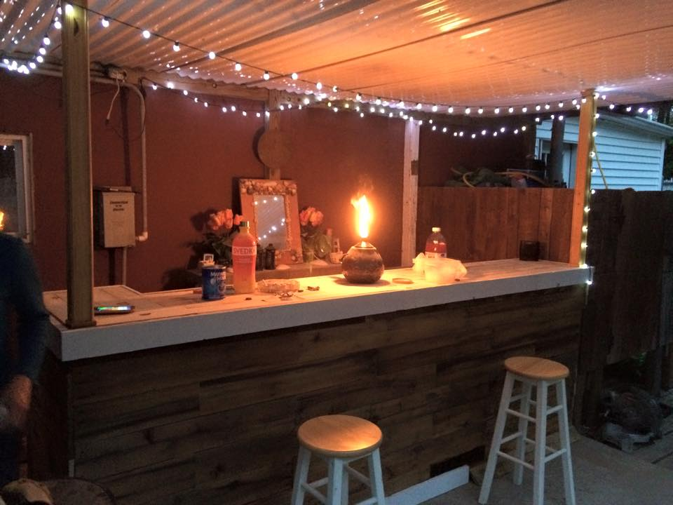 Bar Made With Wood Pallets Pallet Ideas Recycled