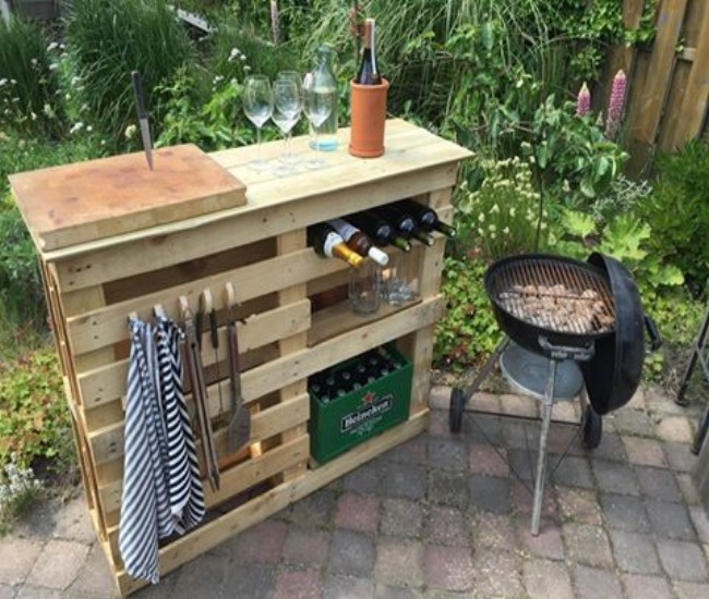 DIY BBQ Side Table With Pallets Pallet Ideas Recycled