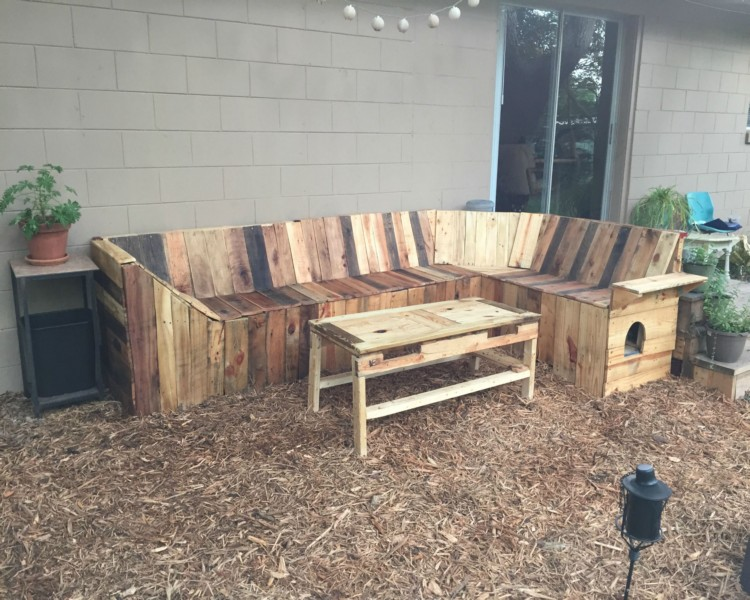 ... DIY Pallets Patio Corner Bench With Table Final
