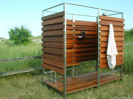 Pallets Made Outdoor Shower Ideas