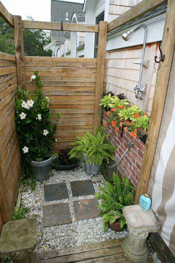 Pallets Outdoor Bathing Shower