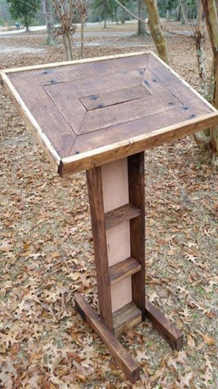 Pallets Wood Made Podium Pallet Ideas