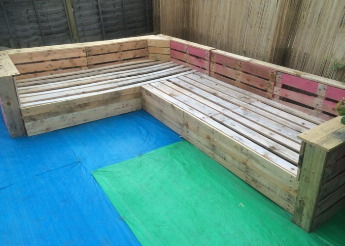 Patio Garden Corner Seating With Pallets Pallet Ideas