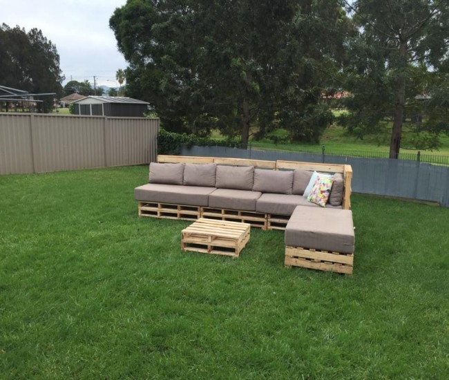 Wooden Pallets Made Seating with Coffee Table